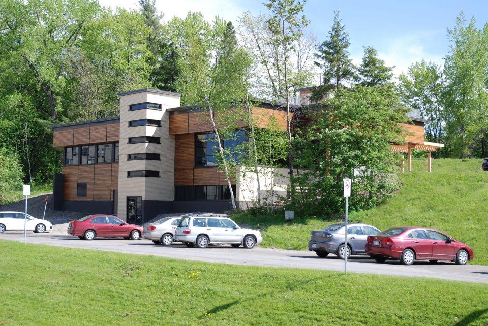 Construction en bois : Centre de géomatique du Québec (Saguenay) - Alliance Forêt Boréale